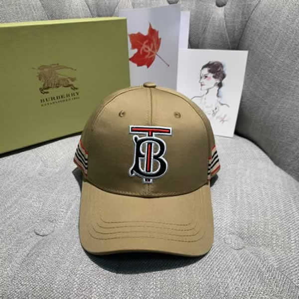 Popular Burberry spring and summer couples baseball cap fashion queen cotton cap